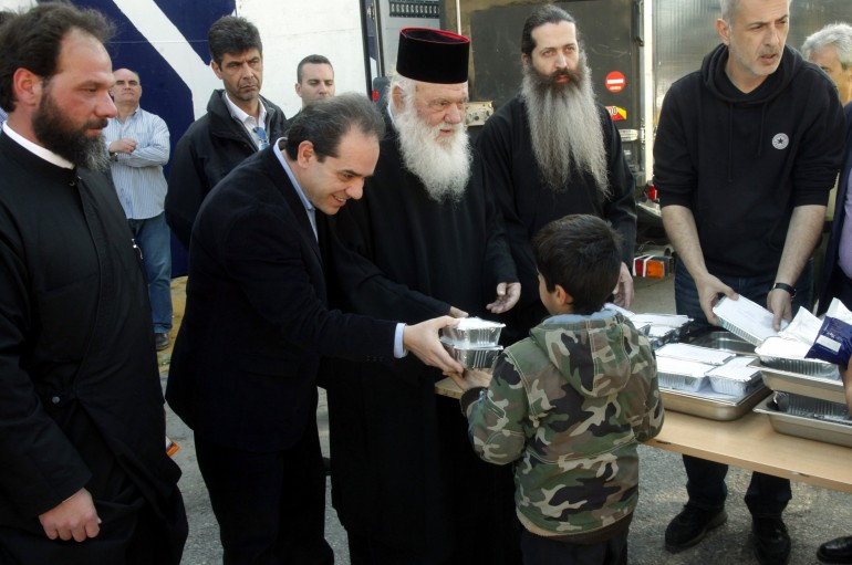 «Η Εκκλησία στην πρώτη γραμμή της βοήθειας σε προσφύγες» της Χαράς Καλημέρη