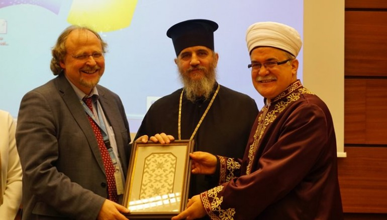Κυπριακό: Μέρος της λύσης και όχι του προβλήματος οι θρησκείες
