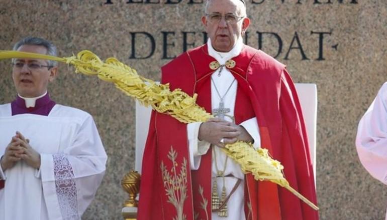 Πάπας: «Πολλοί δεν θέλουν να αναλάβουν την ευθύνη των προσφύγων»
