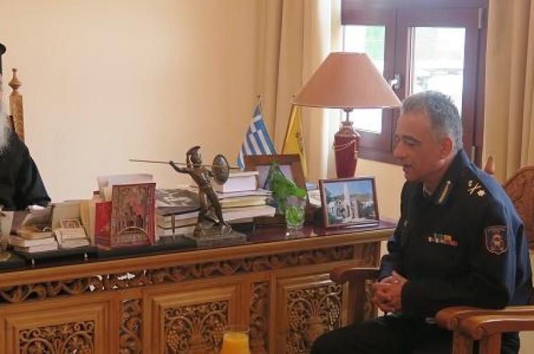 Στο Μητροπολίτη Φθιώτιδος ο νέος Διοικητής Πυροσβεστικής Στερεάς Ελλάδας