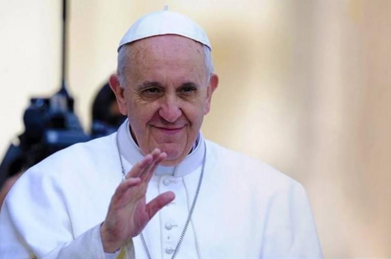 Πάπας: «Πηγαίνω στη Μυτιλήνη για να δείξω αλληλεγγύη» – Μαζί του και 200 δημοσιογράφοι
