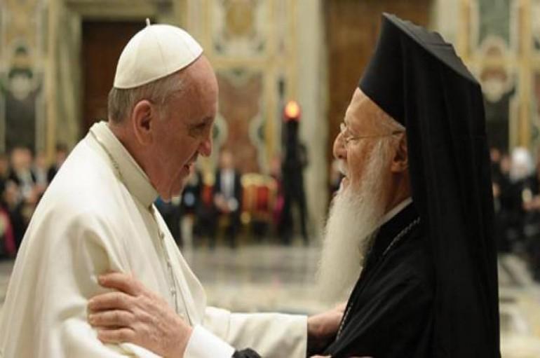 Φοιτητές της Θεολογικής του ΑΠΘ ζητούν ακύρωση της επίσκεψης του Πάπα