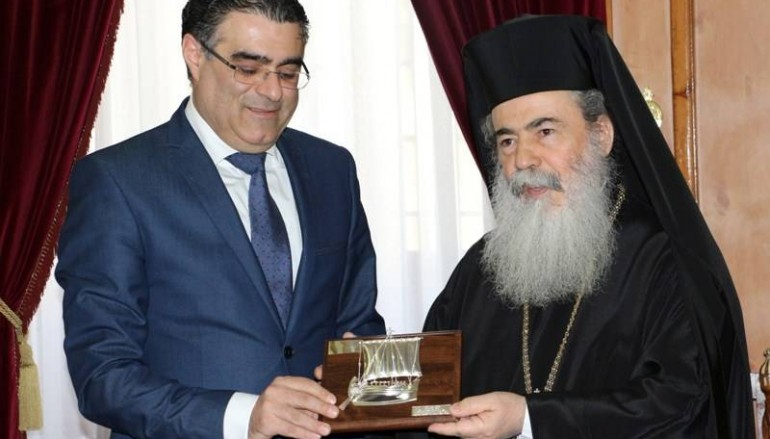 Στον Πατριάρχη Ιεροσολύμων ο Υπουργός Περιβάλλοντος (ΦΩΤΟ – ΒΙΝΤΕΟ)