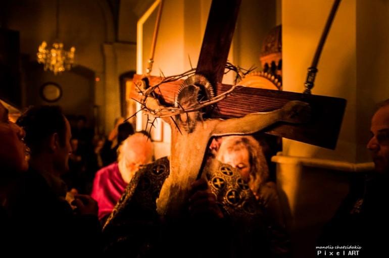 Η Ακολουθία των Αγίων και Αχράντων Παθών στην Ι. Μ. Κυδωνίας (ΦΩΤΟ)