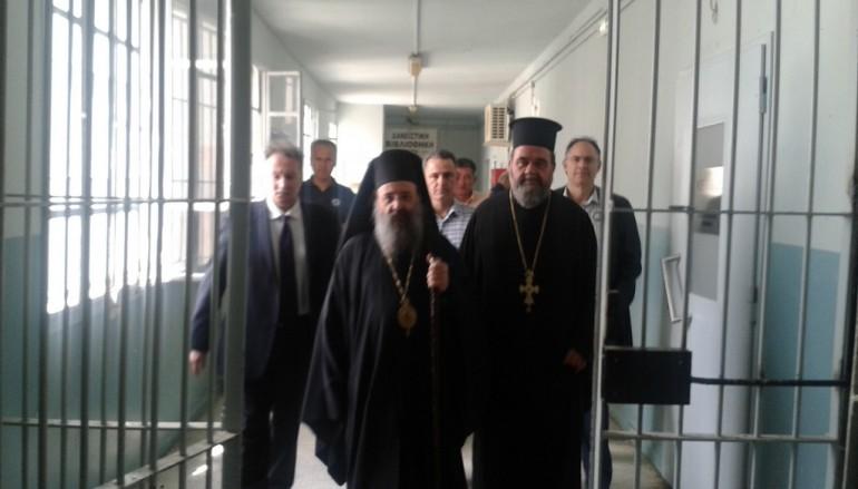 Επίσκεψη του Μητροπολίτη Πατρών σε Ιδρύματα της Πάτρας (ΦΩΤΟ)
