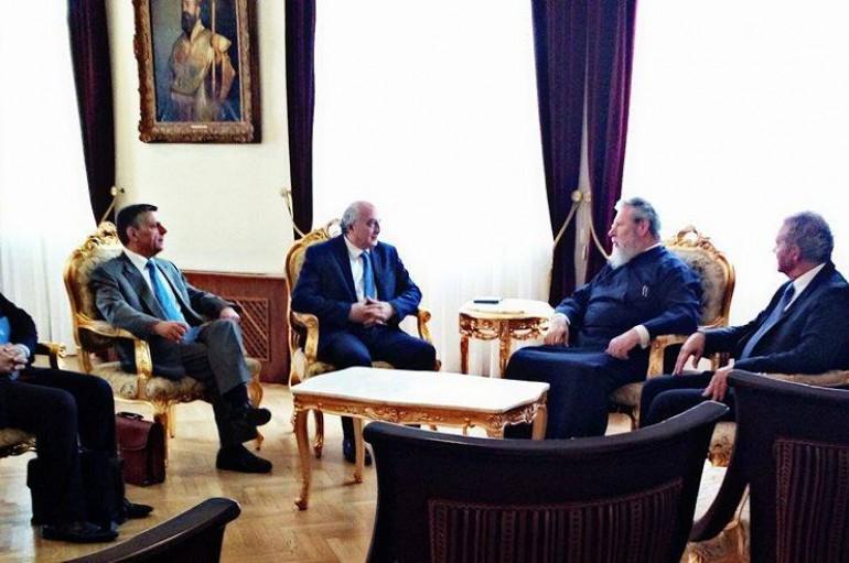 Συνάντηση του Αρχιεπισκόπου Κύπρου με τον Υφυπουργό Εξωτερικών της Ελλάδος (ΦΩΤΟ)