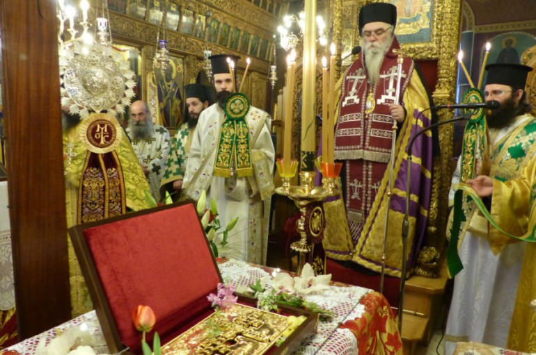 Η Καστοριά υποδέχθηκε το Τίμιο Ξύλο (ΦΩΤΟ-ΒΙΝΤΕΟ)