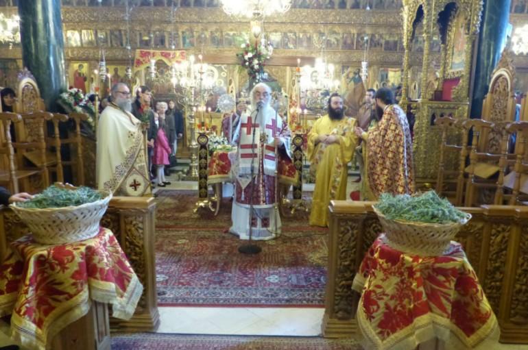 Κυριακή της Σταυροπροσκυνήσεως στην Ιερά Μητρόπολη Καστορίας (ΦΩΤΟ)