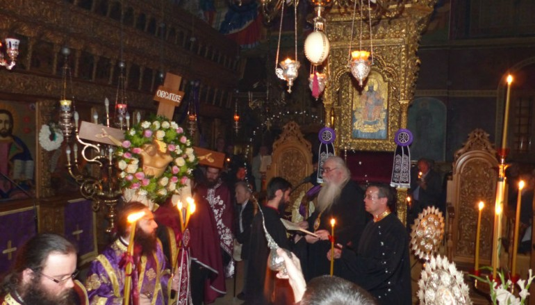 Η Ακολουθία των Παθών στην Καστοριά (ΦΩΤΟ)