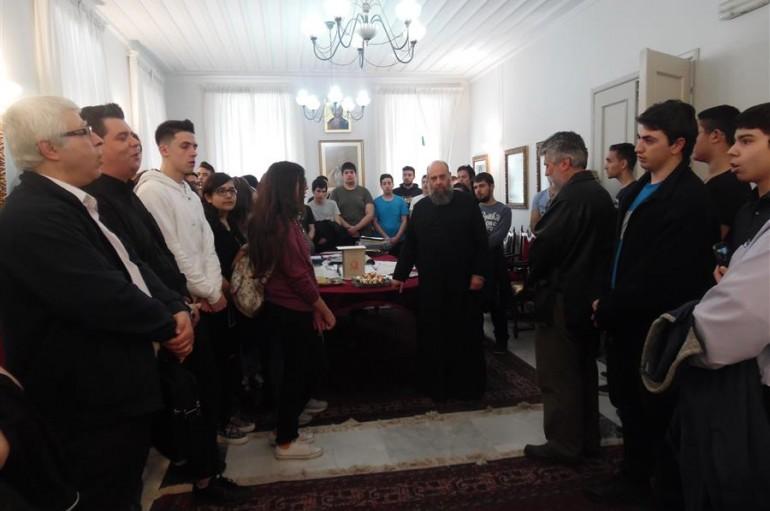 Επίσκεψη Εκκλησιαστικού Γυμνασίου και Λυκείου Νεαπόλεως στον Μητροπολίτη Θεσσαλιώτιδος (ΦΩΤΟ)