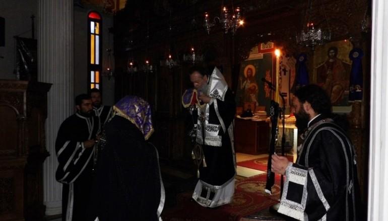 Προηγιασμένη Θ. Λειτουργία στην Ι. Μονή «Η Πάντων Χαρά» Καλετζίου (ΦΩΤΟ)