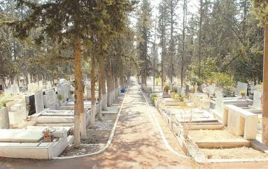 Μίζες και φοροδιαφυγή πίσω από κηδείες