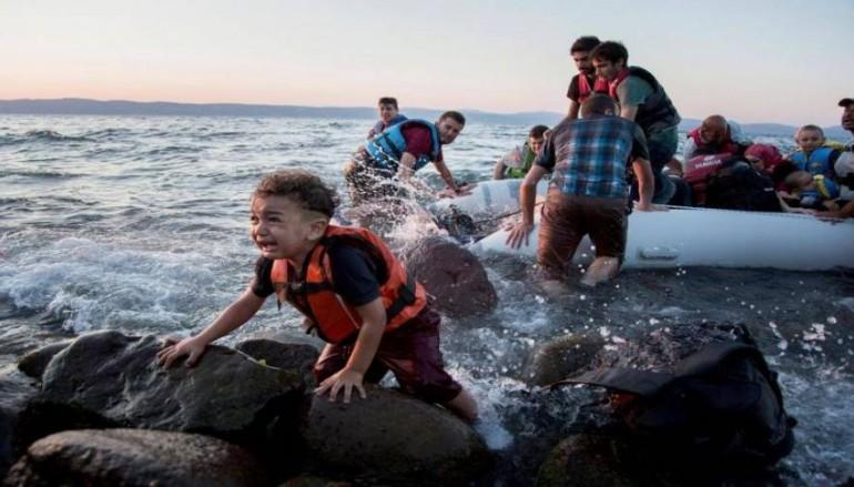 Η νέα ζωή των 12 προσφύγων που πήρε μαζί του ο Πάπας (BINTEO)