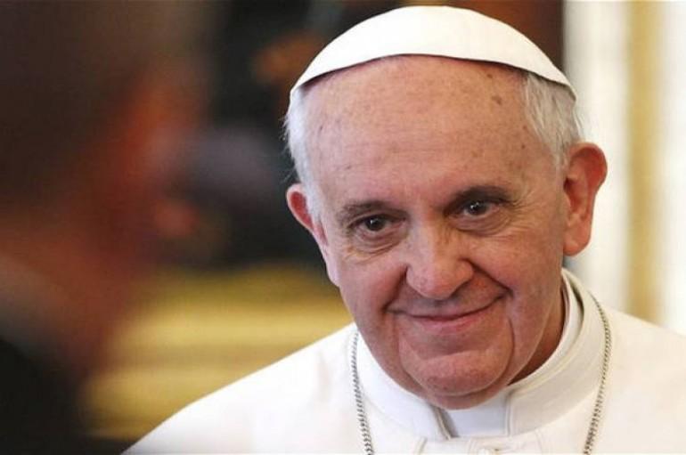Πάπας προς πρόσφυγες: «Σας μεταχειρίζονται σαν βάρος, ενώ είστε δώρο»