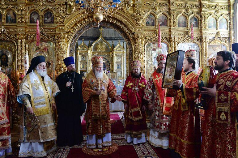 Πατριαρχική Θ. Λειτουργία στην Ι. Μονή Αγίου Παντελεήμονος Αγίου Όρους (ΦΩΤΟ)