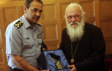 Ο Αρχηγός του Πυροσβεστικού Σώματος στον Αρχιεπίσκοπο (ΦΩΤΟ)