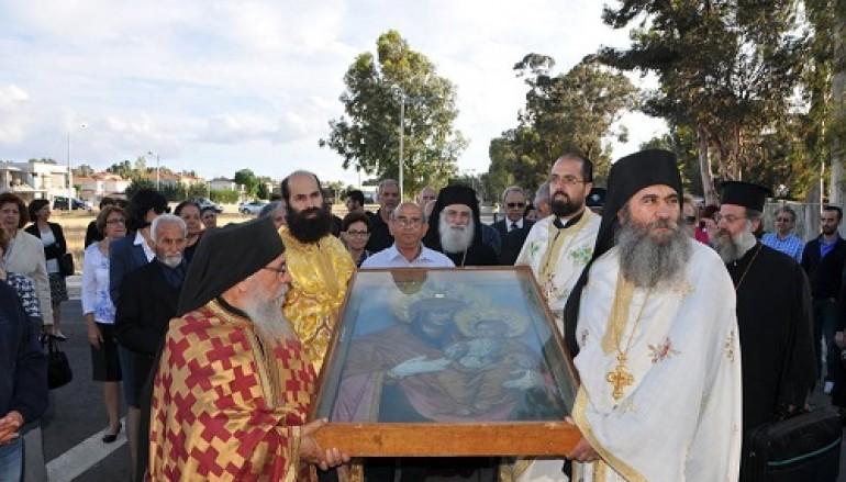 Στην Κύπρο η εικόνα της Παναγίας της Αγιοταφίτισσας (ΦΩΤΟ)