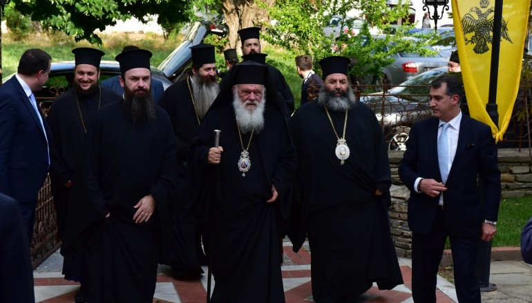 Ο Αρχιεπίσκοπος Ιερώνυμος στην Ι. Μητρόπολη Λαγκαδά (ΦΩΤΟ)
