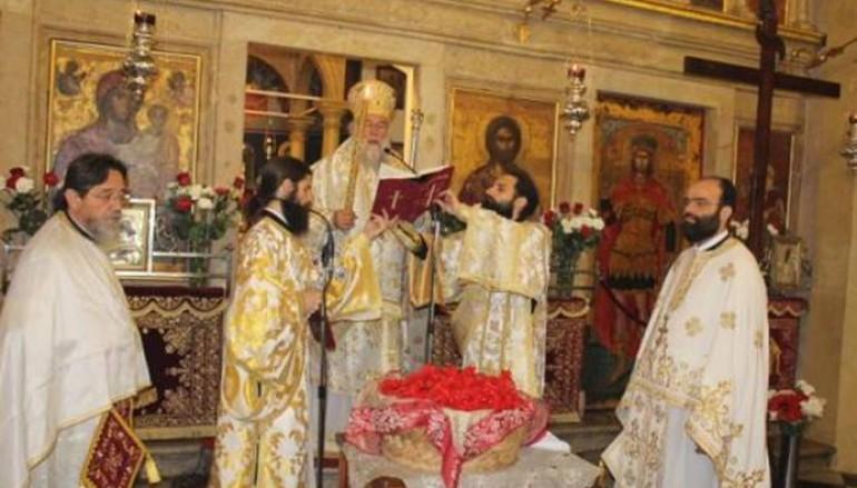 Η Αναστάσιμη Θεία Λειτουργία στην Κέρκυρα (ΦΩΤΟ)