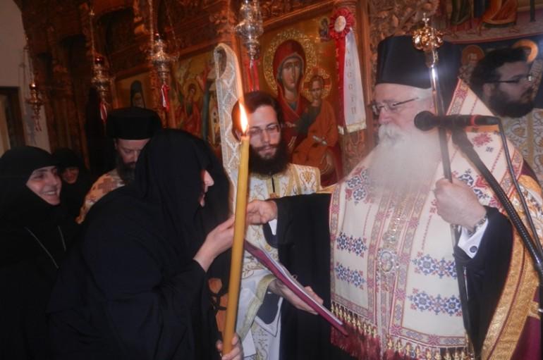 Νέα Μοναχή στην Ιερά Μονή Παμμεγίστων Ταξιαρχών Πηλίου (ΦΩΤΟ)