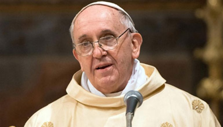 Πάπας: «Η Εκκλησία να ζητήσει συγγνώμη από τους ομοφυλόφιλους»