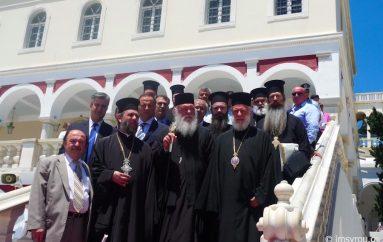 Ο Αρχιεπίσκοπος στην Τήνο για τα ονομαστήρια του Μητροπολίτη Σύρου (ΦΩΤΟ)