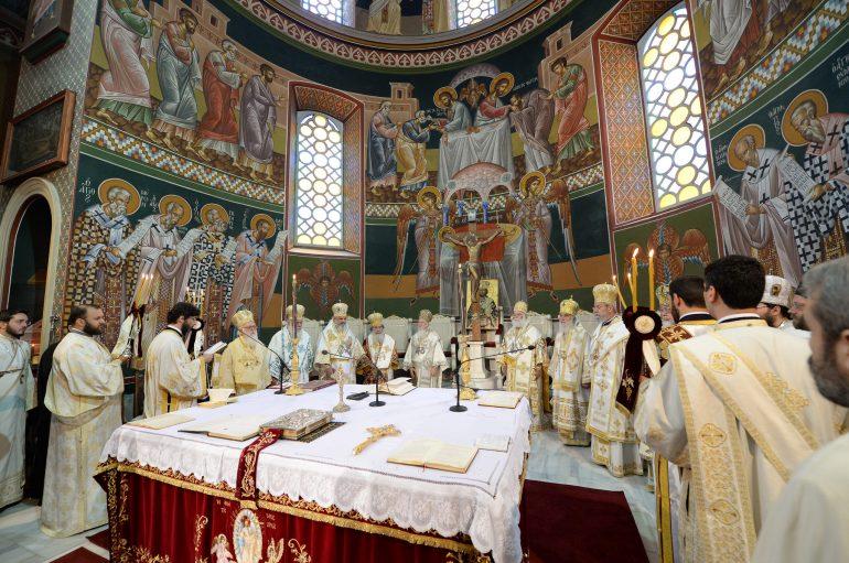 Το Συλλείτουργο των Προκαθημένων στον Ι. Ναό Αγίου Μηνά Ηρακλείου (ΦΩΤΟ)