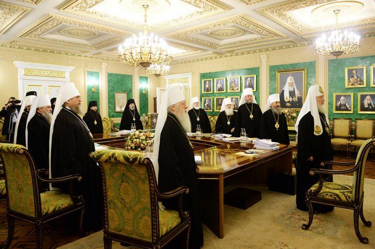 Πατριαρχείο Μόσχας προς Φανάρι: «Άσχετη η δημοκρατία με την εκκλησιαστική ζωή»