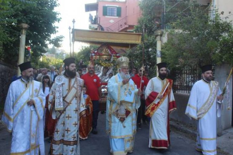 Λιτάνευση της Ιεράς Εικόνος Υ.Θ. της Δημοσιάνας στην Κέρκυρα (ΦΩΤΟ)