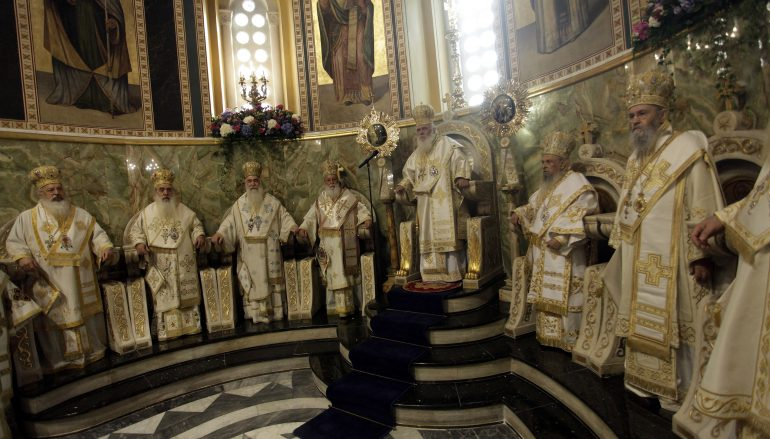 Πρώτη Συνοδική Θ. Λειτουργία στον ανακαινισμένο Καθεδρικό Ναό των Αθηνών (ΦΩΤΟ)