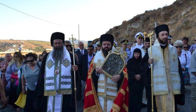 Μαρωνείας Παντελεήμων: «Η Παναγία της Τήνου είναι η Παναγία της Ελλάδος» (ΦΩΤΟ)