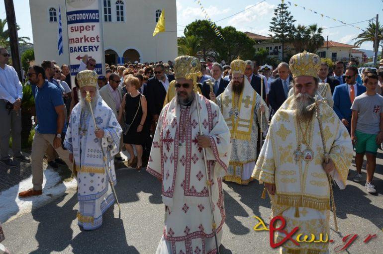 Η Φοινικούντα υποκλίθηκε στη χάρη της Παναγίας Τριχερούσας (ΦΩΤΟ)