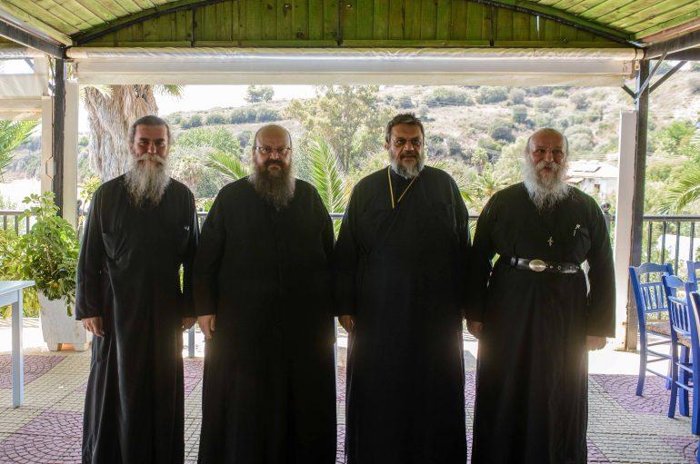 Άφιξη Αρχιερέων στη Φοινικούντα για τον εορτασμό της Παναγίας Τριχερούσας (ΦΩΤΟ)