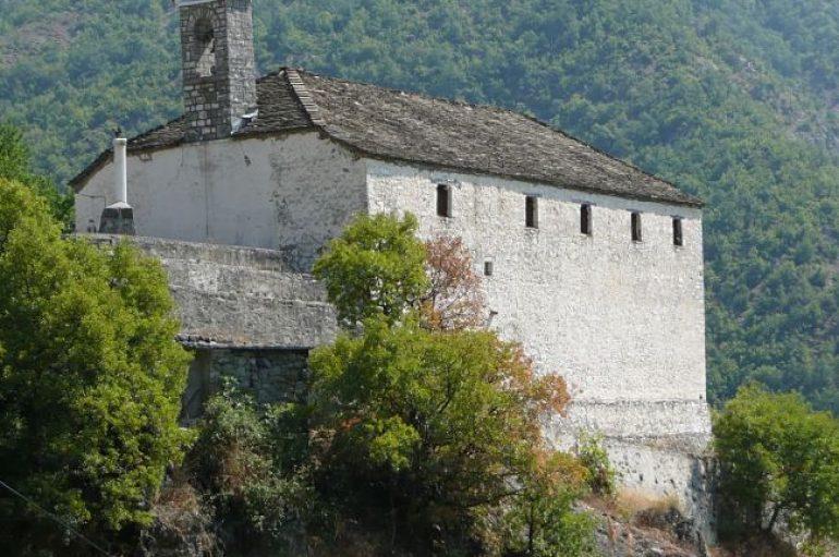 Ιερόσυλοι έκλεψαν ναό στους Χιονάδες Κόνιτσας (ΦΩΤΟ)