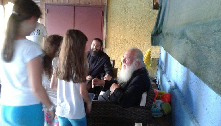 Επίσκεψη του Αρχιεπισκόπου Ιερωνύμου στις Κατασκηνώσεις της Αρχιεπισκοπής (ΦΩΤΟ)
