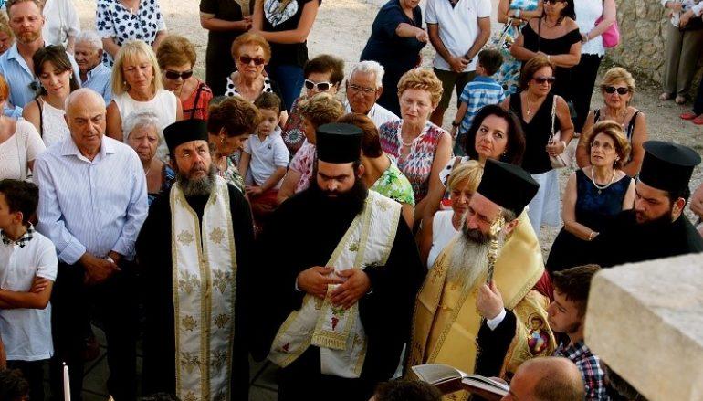 Θυρανοίξια Ιερού Ναού από τον Μητροπολίτη Κεφαλληνίας (ΦΩΤΟ)