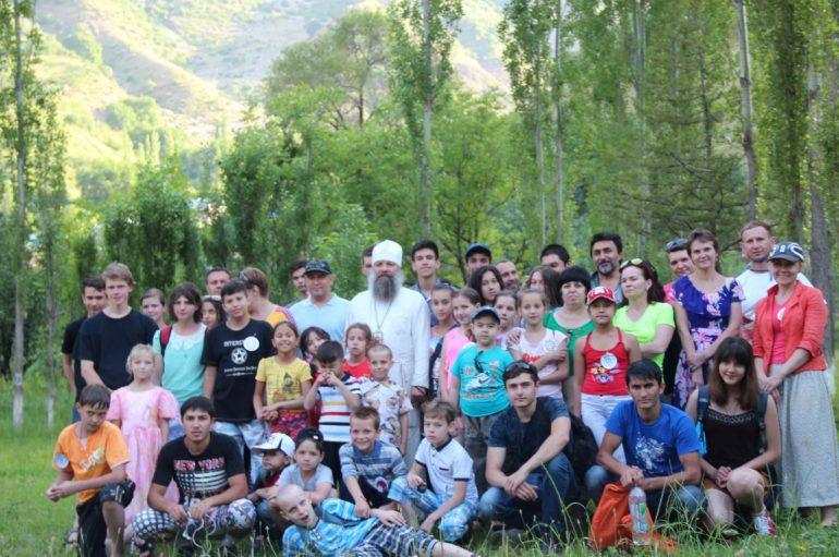 Χριστιανικές κατασκηνώσεις στην Ι. Μητρόπολη του Τατζικιστάν (ΦΩΤΟ)