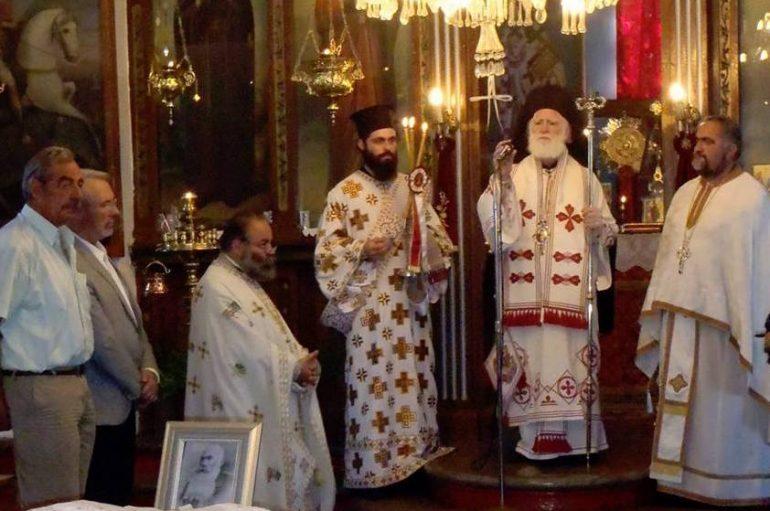 Ο Αρχιεπίσκοπος Κρήτης στα αποκαλυπτήρια ανδριάντος του Χατζημιχάλη Γιάνναρη (ΦΩΤΟ)