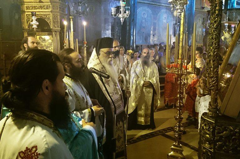 Πρώτη Παράκληση στον Ι. Μητροπολιτικό Ναό Καστοριάς (ΦΩΤΟ)