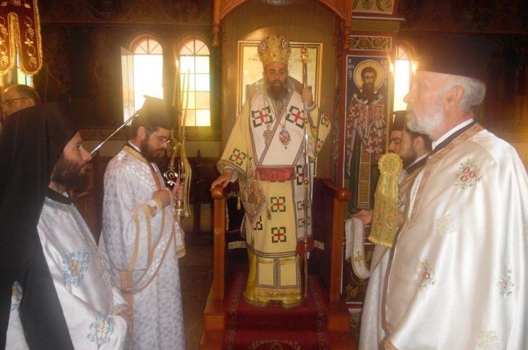 Αρχιερατική Θ. Λειτουργία στον Ιερό Ναό Αγίου Δημητρίου Βουναίνων (ΦΩΤΟ)