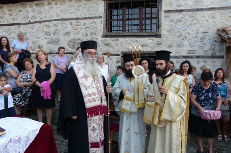 Ο Εσπερινός του Αγίου Φανουρίου στην Καστοριά (ΦΩΤΟ)