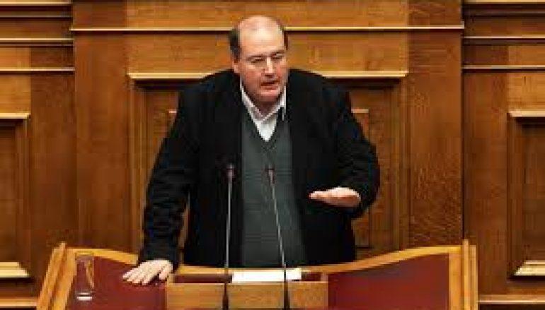 Πέντε τζαμιά ζήτησε από την Βουλή ο Ν.Φίλης