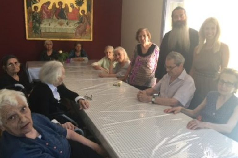 Επίσκεψη του Πρωτοσυγκέλλου της Αρχιεπισκοπής στο «Καρέλλειο – Ολοκληρωμένη Μονάδα Alzheimer»