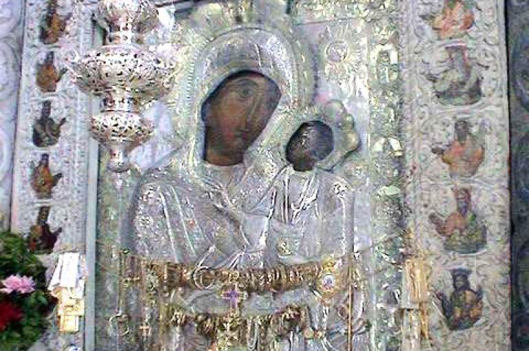 Η Παναγία η Εκατονταπυλιανή στον Πειραιά τον Οκτώβριο