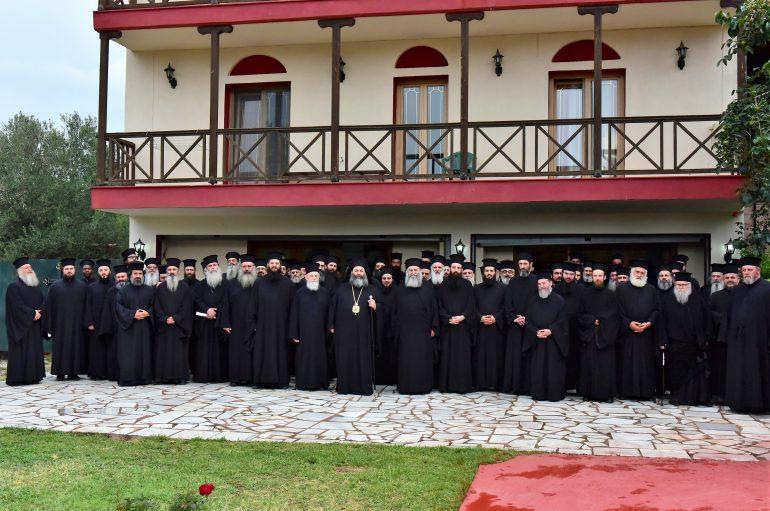 Ιερατική Σύναξη κληρικών στην Ι. Μ. Λαγκαδά (ΦΩΤΟ)
