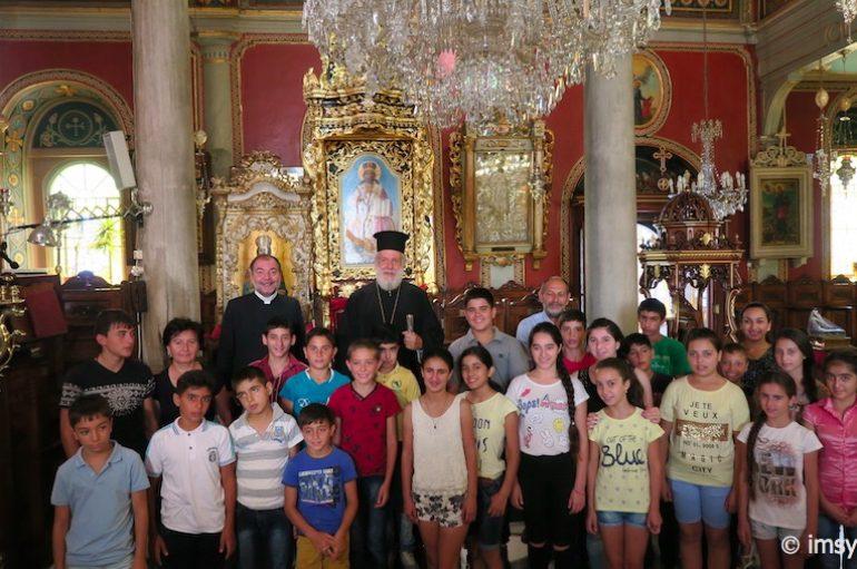 Παιδιά από την Αρμενία στον Μητροπολίτη Σύρου (ΦΩΤΟ)