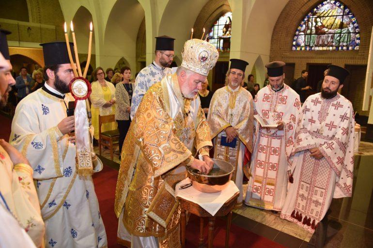 Πρώτη Θεία Λειτουργία στον Ι.Ν. Αγίου Γεωργίου στο Dilbeek Βρυξελλών (ΦΩΤΟ)