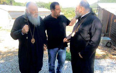 Ο Αρχιεπίσκοπος Αθηνών σε κτηνοτροφική μονάδα της Ιεράς Μονής Βελλάς
