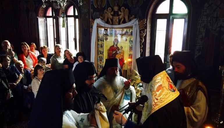 Κουρά μοναχού στην Ι. Μονή Αγίας Τριάδος Γλυφάδας (ΦΩΤΟ)