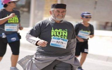 Iερείς έτρεξαν στον Ημιμαραθώνιο Κρήτης (ΦΩΤΟ)